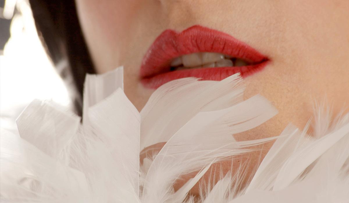 bernalina.plumas.blancas.1200x700